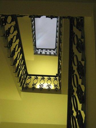 Hotel Firenze e Continentale La Spezia : Hotel staircase