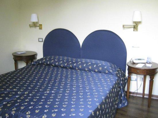 Hotel Firenze e Continentale La Spezia : Double-room at Hotel Firenze e Continentale, in La Spezia