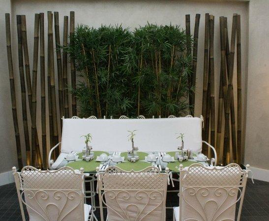 Biz Cevahir Hotel: dining table