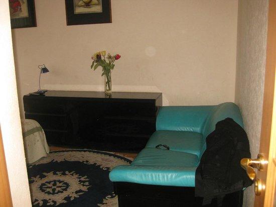 KievApts Apart Hotel: Bedroom/Livingroom