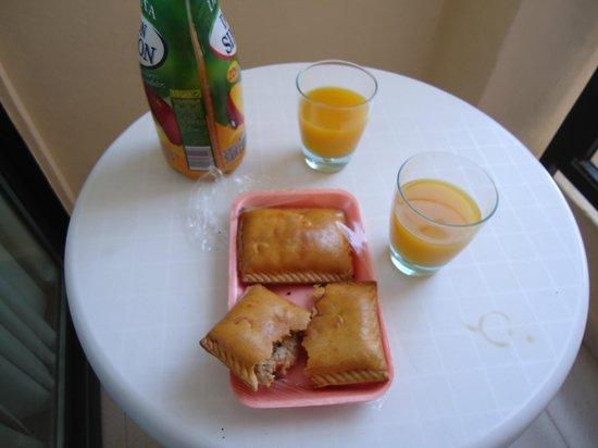 Innside Palma Bosque: tavolo balcone .. provate quei saccottini ripieni :)