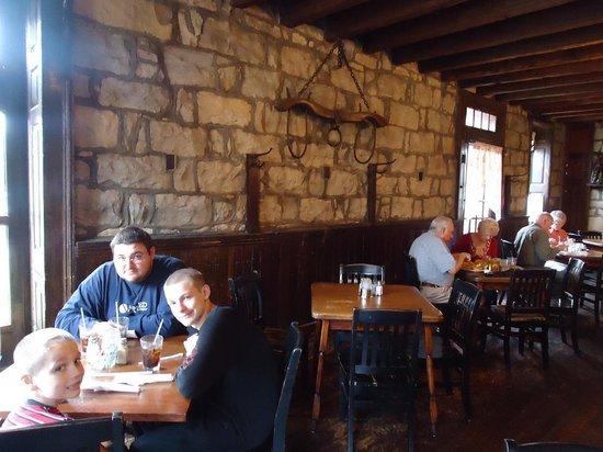 Old Talbott Tavern : Nice atmosphere
