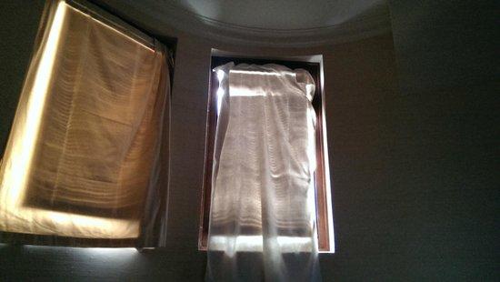 Hotel Casa Higueras : El arreglin de las ventanas de la pieza