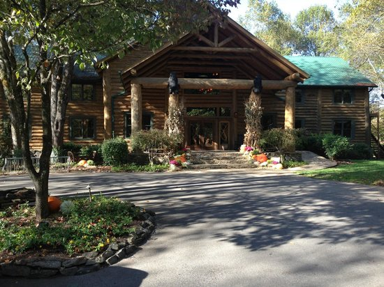 Dancing Bear Lodge: Lodge