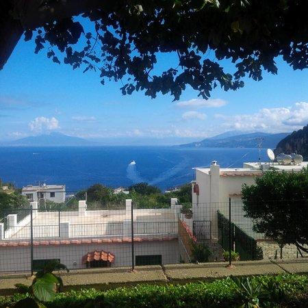 Capri Wine Hotel: Ontbijt in de tuin