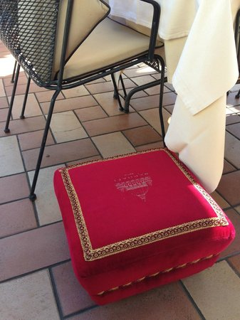 Hotel Raphael - Relais Chateaux: The Stool for your Purse up top in the restaurant