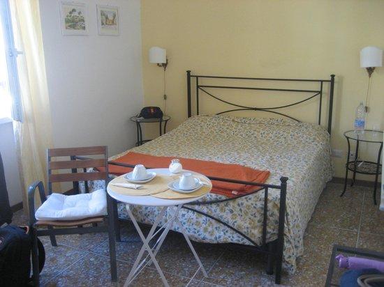 La Fabbrica di San Pietro B&B: ''romantica'' room