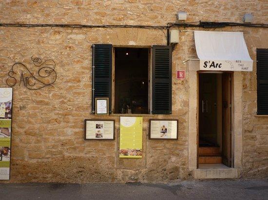 Restaurant S'Arc : External view