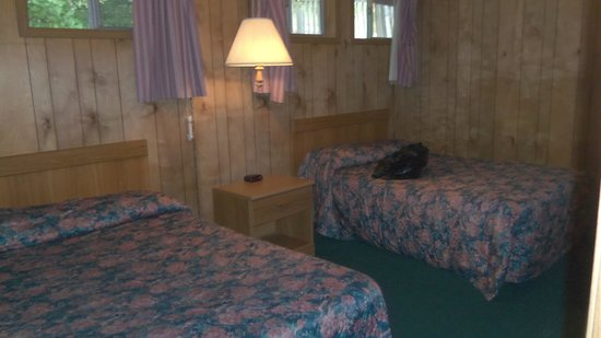 Table Rock Resorts at Indian Point: Bedroom