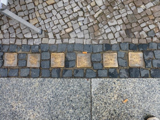 Berlin Jewish Tours : Stepping stones of memories of the lost