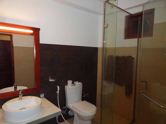Pelwehera Village Resort: la salle de bains