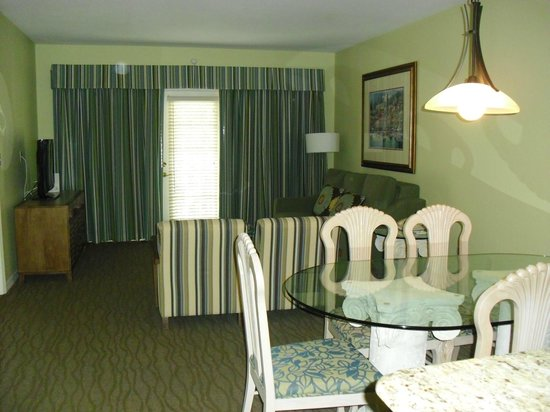 Star Island Resort and Club : Dining Room / Living room (B Unit)