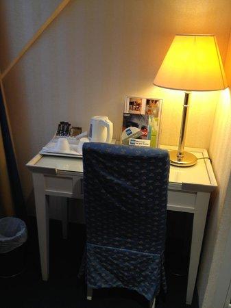 Austin's Arts et Metiers Hotel: Camera da letto