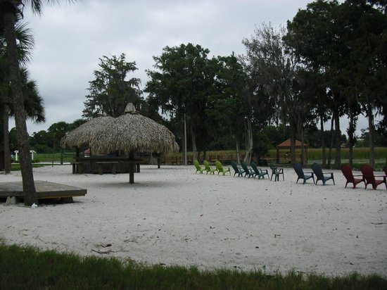 Star Island Resort and Club : Man made beach