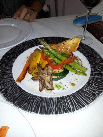 International Restaurant: Verduras a la plancha. Tradicional,  pero exquisito.