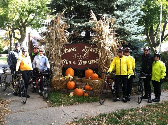 Adams Street Bed and Breakfast: Tandem Bike Ride Weekend