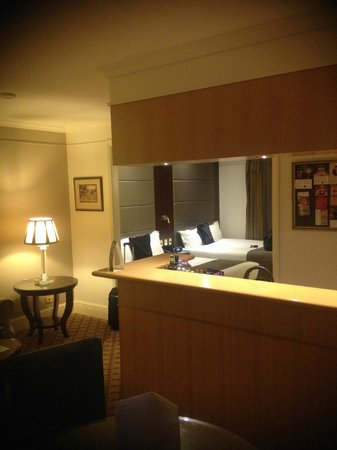 Stamford Plaza Melbourne : In-Room Bar and kitchen