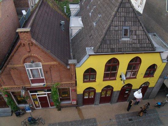 Hotel Friesland Garni: Straataanblik