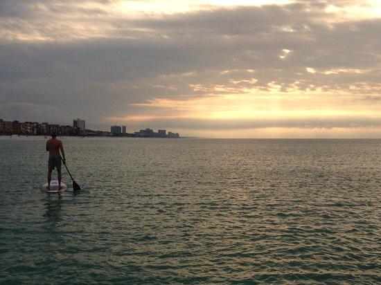 Sea Oats Motel: Sunset on SUP