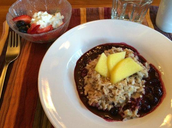 Mountain Trek Fitness Retreat & Health Spa: Breakfast