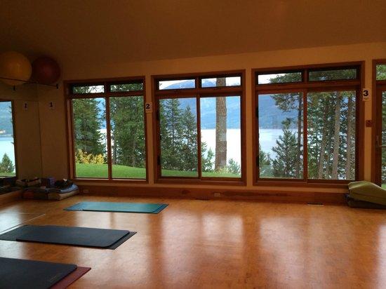 Mountain Trek Fitness Retreat & Health Spa: yoga studio