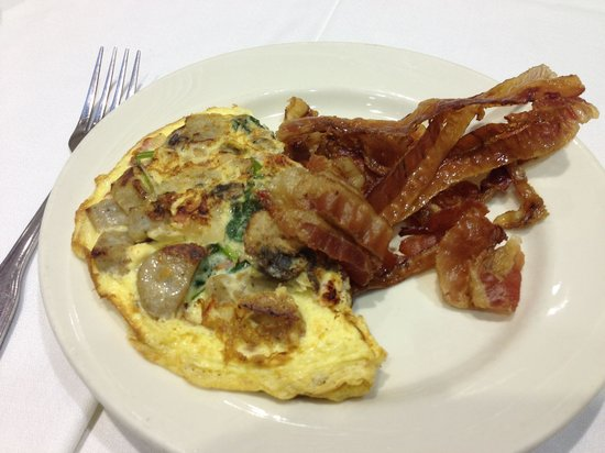 Embassy Suites by Hilton Boston - at Logan Airport : Breakfast