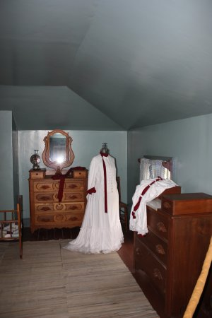 Fort Hays State Historic Site: officer's home