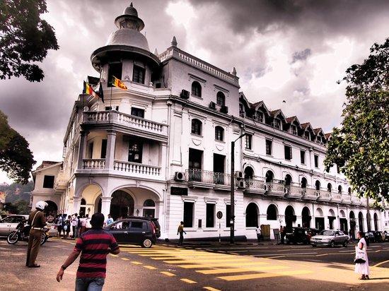 Queens Hotel Kandy: Queens Hotel