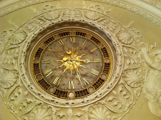 Flagler College: Edison clock @ mantel