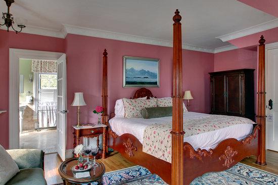 Cliffside Inn: The Grosvenor Room