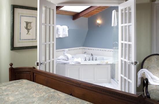 The Loft Room at Cliffside Inn