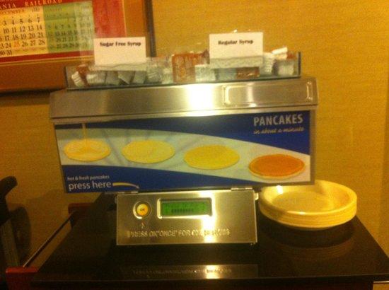 Holiday Inn Express Philadelphia-Midtown: the pancakes machine