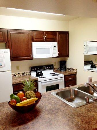 Kihei Bay Vista: Upgraded kitchen