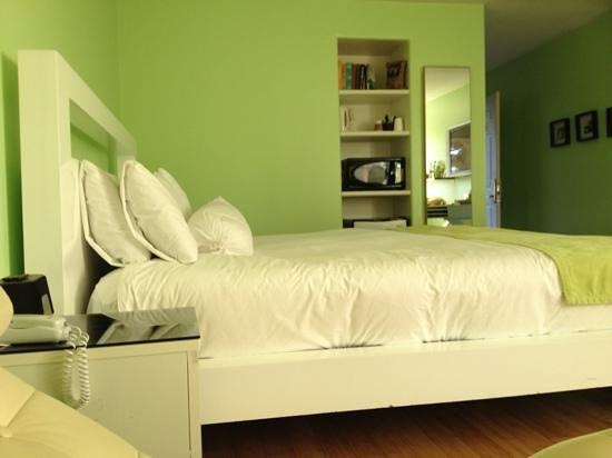 The Capri: room