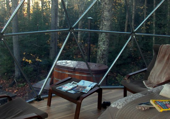 Ridgeback Lodge : The Hot Tub is wood fired