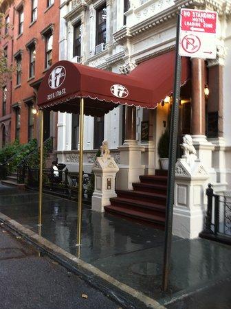 Hotel 17 exterior