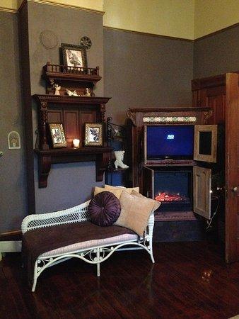 1884 Wildwood Bed and Breakfast Inn: spacious