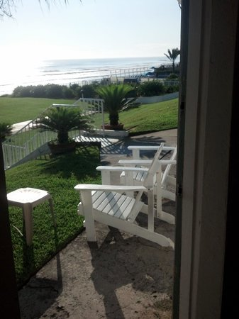 Shoreline All Suites Inn & Cabana Colony Cottages: view from cottage..simply lovely