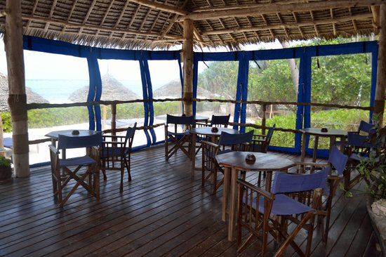 Villa Kiva Resort and Restaurant: Lunch deck with views