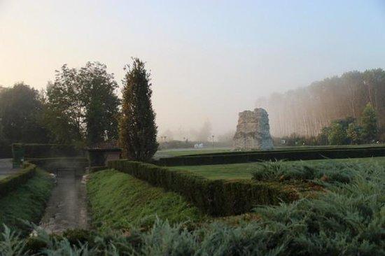 Albergo dell'Agenzia: grounds of the 'campus'