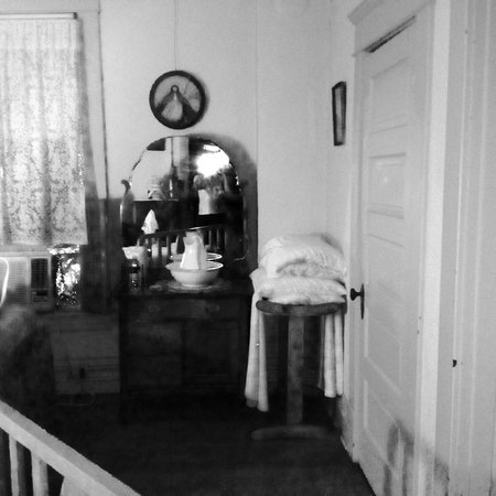 Miss Molly's Bed and Breakfast: Take a close look.
