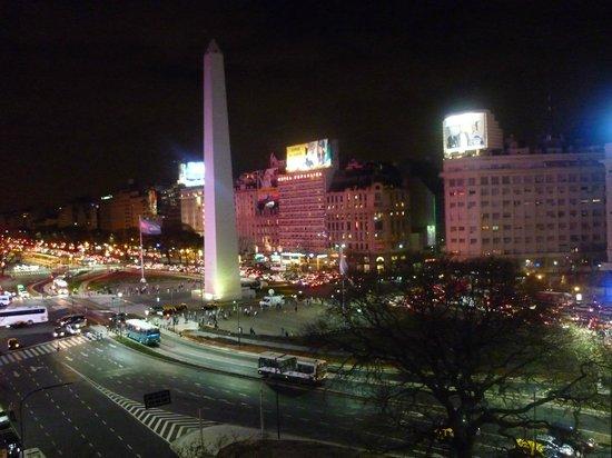 Exe Hotel Colon: vista de habitacion obelisco de noche