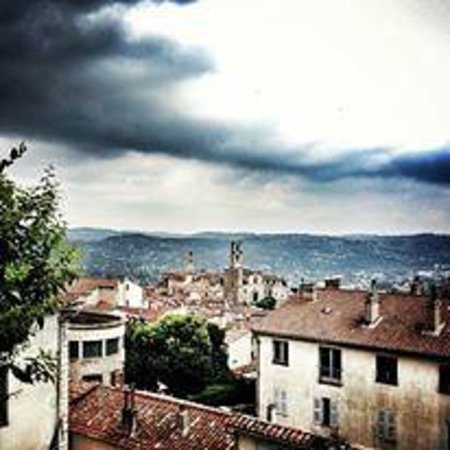 Les Palmiers- Grasse : Another View