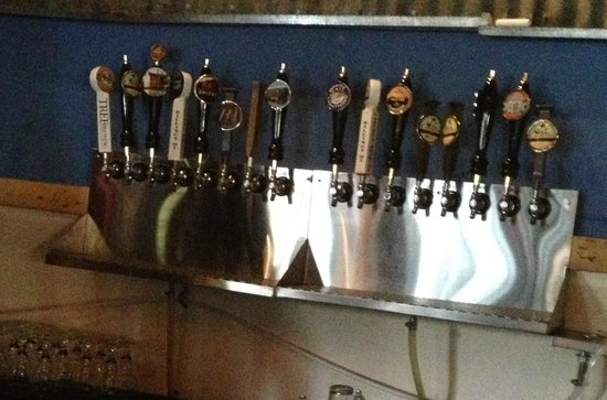 Carter's Brewery and Tap Room: taps
