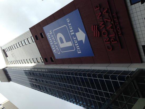 Crowne Plaza Auckland: Hotel Exterior
