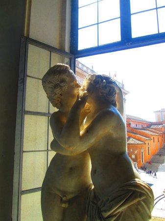 Musei Capitolini: Cupid and Psyche Sculpture Capitoline Museum