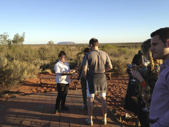Voyages Ayers Rock Resort: food and champagne