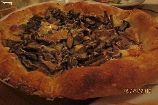 Osteria Mozza: mushroom pizza