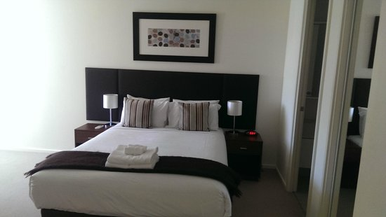 Melbourne Short Stay Apartments at SouthbankOne: Bedroom