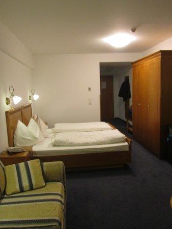 Hotel Innsbruck: Quarto